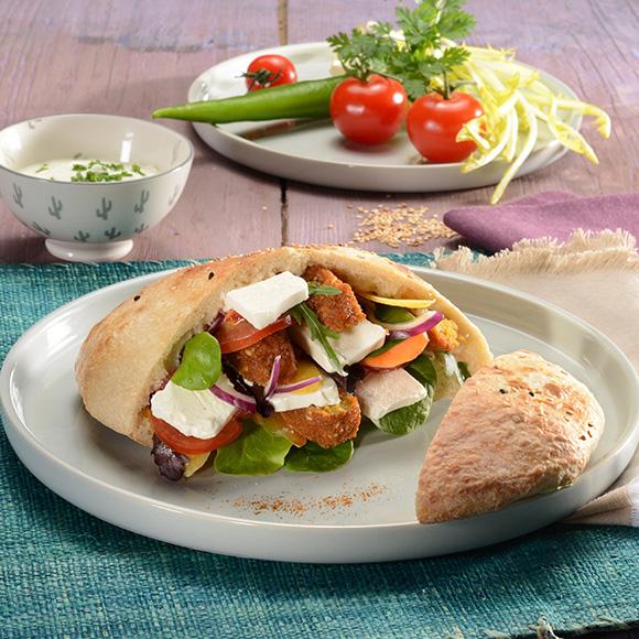 Falafel Pita mit Salakis der Cremige