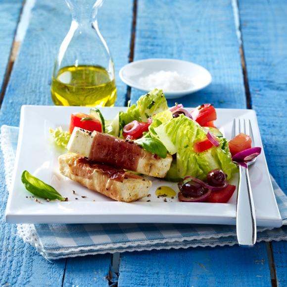 Gemischter Salat mit Salakis Schafkäse Käsesticks
