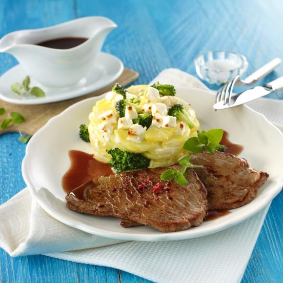 Kartoffel Salakis Schafkäse Gratin mit Kalbsschnitzel