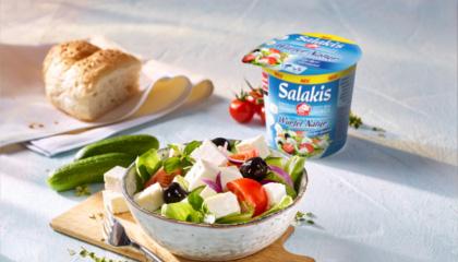 Salakis Würfel Natur im Salat