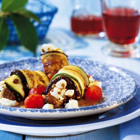Zucchini- und Auberginenröllchen mit Hack-Salakis Schafkäse-Füllung